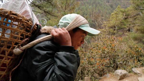 히말라야의 시지프스: 네팔 포터 이야기