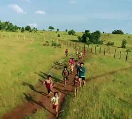 언제나 영화처럼, 그 해 여름, 영화감독 '양익준'의 시선으로 바라본 캄보디아는 어떤 모습일까? 캄보디아의 일상적 풍경이 영화의 한 장면으로 다시 그려진다.