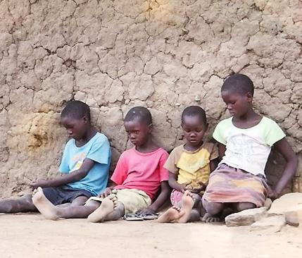 글로벌 프로젝트 나눔, 돌아오지 않는 엄마를 기다리는 고아 사 남매