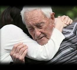 그가 선택한 삶의 마지막 여정, 눈물로 가득한 장례식은 NO! 시신은 해부용으로 기증해주세요. 그리고 나는 다시 숲으로 돌아갑니다.