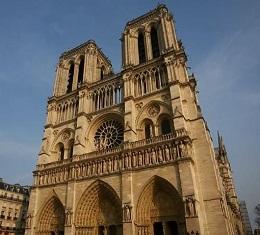프랑스인의 심장이자 영혼 '노르트담 대성당', 절대 왕정을 무너뜨리고 자유와 평등의 대혁명을 일으켰던 나폴레옹의 대관식이 열린 곳이자, 프랑스 고딕 양식의 걸작!