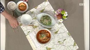 최고의 요리비결, <김옥란의있는재료로만드는탐나는요리>등갈비김치찌개와숙주미나리무침